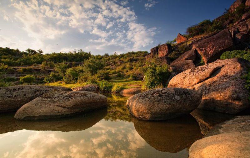 14 озер, водоспадів, каньйонів та заток: невідомі водойми України