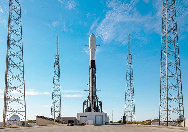 Новий рекордний пуск SpaceX: 143 супутники за раз, та ще й на полярну орбіту